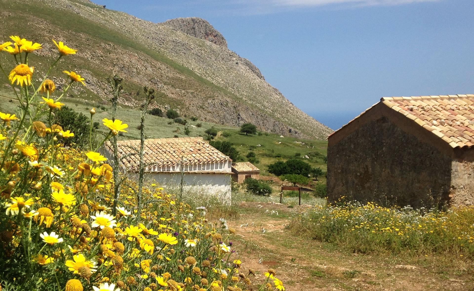 Borgo Cusenza nella Riserva dello Zingaro